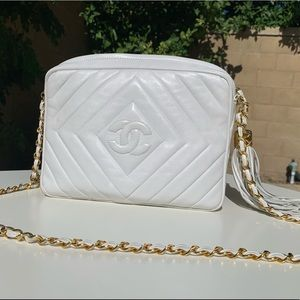CHANEL Bags - Vintage Authentic White 1992 Chanel Purse